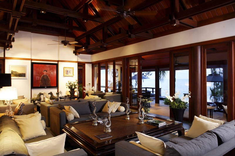 Phuket Villa 423 Dining & Sitting room with wide screen TV