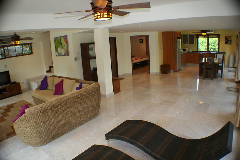 Koh Phangan Villa 4165 - Living cum dining area with TV