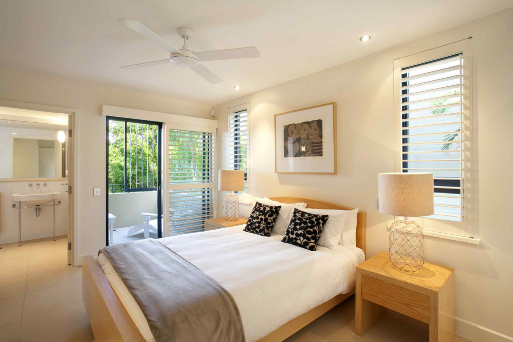 Queensland Villa 5302 - master bedroom suite