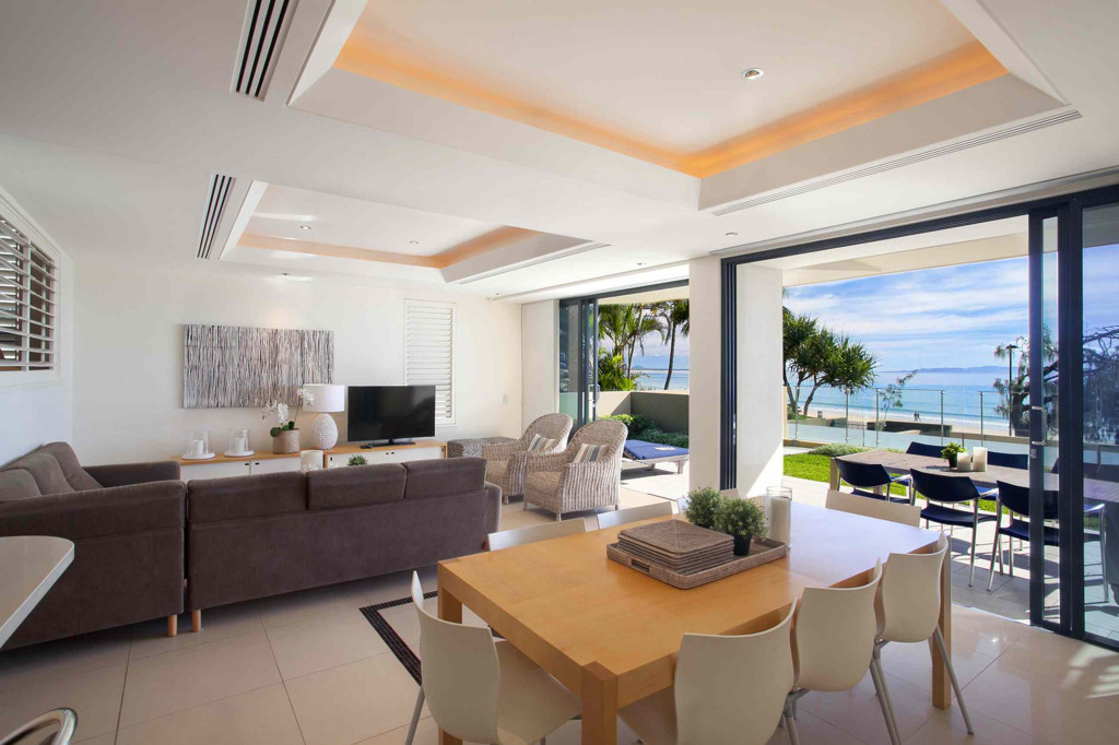 Queensland Villa 5302 - uninterrupted views out to the beach through the sliding doors leading onto the terrace