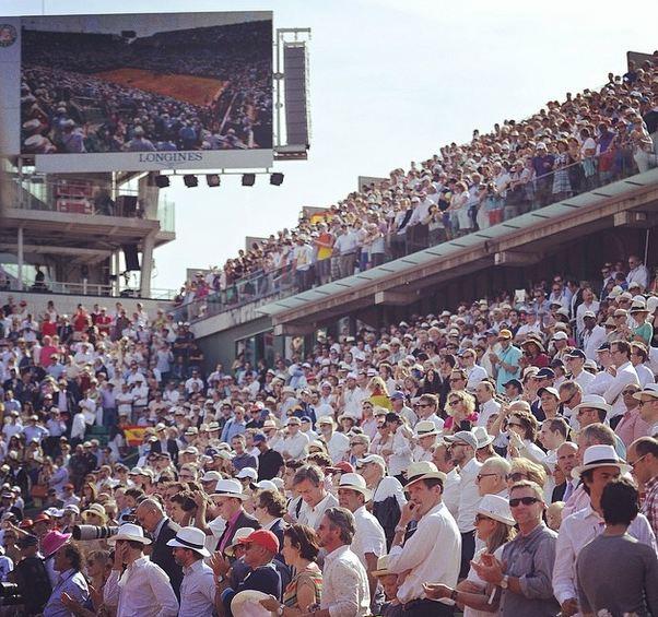 crowd at RG