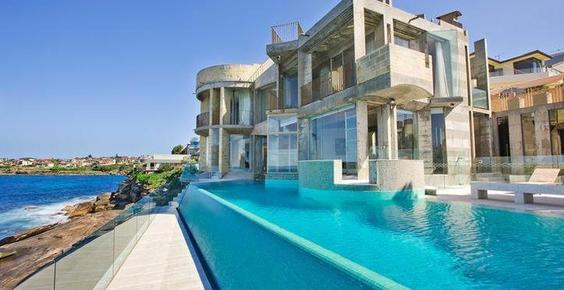 Wow factor Villa, Villa Getaways, Infinity Pool, Sydney vacation, Coogee beach