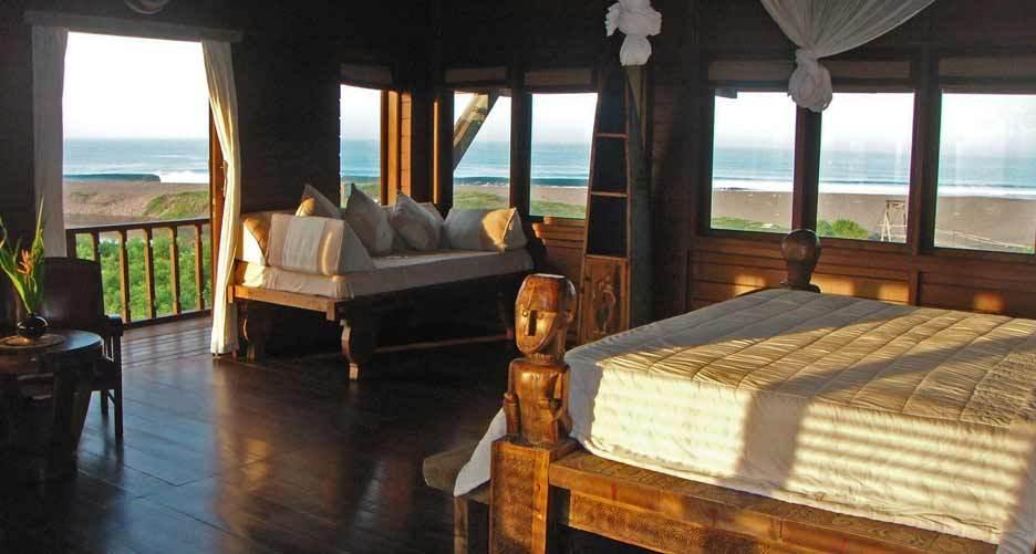 Seminyak Villa 308 Toraja Bedroom and view