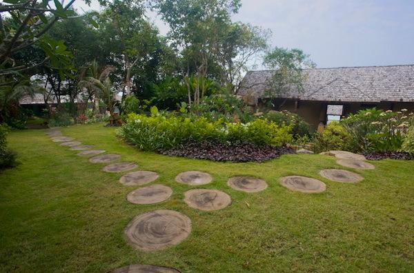 Ban Taling Ngam Villa 4113 Stepping Stone Paths 2