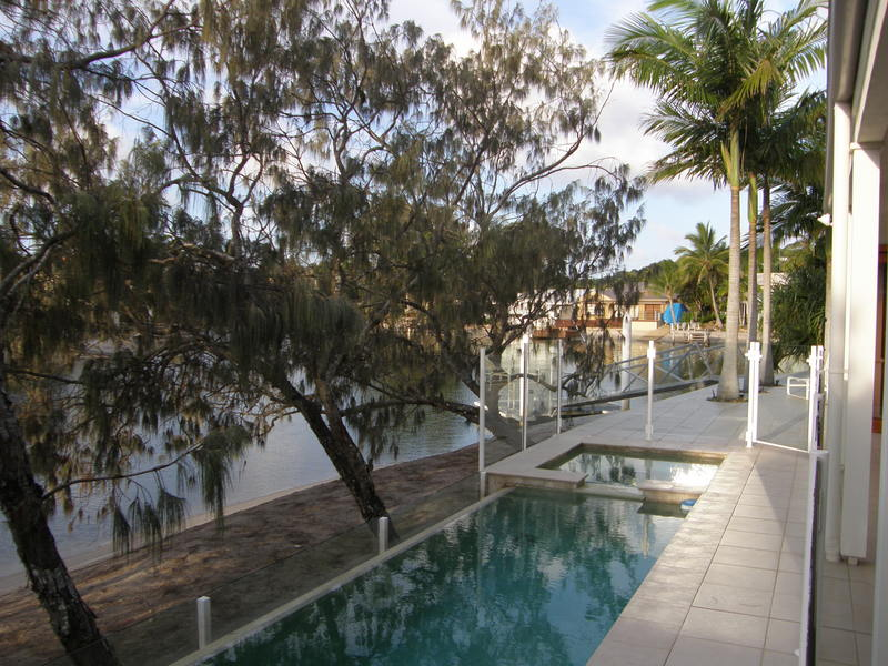 Enjoy a Fabulous Time-Out in the Waterfront Villa in Noosa