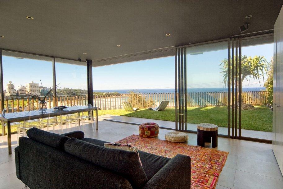 Sydney Villa 507 Excellent View through Floor to Ceiling Glass Doors