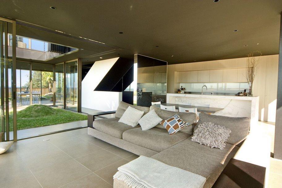 Sydney Villa 507 Rear Living Area 2