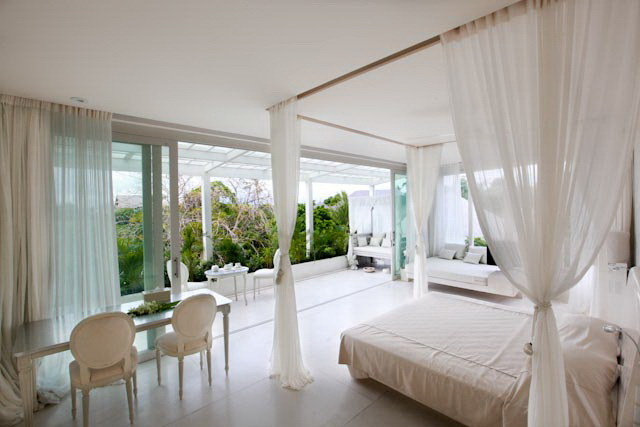 Villa 3257-Villa Eden-Luxury bedroom with chaise and daybeds with balcony