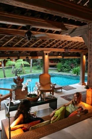 Seminyak Villa 342-Des Indes-Relaxing Rattan Sofas