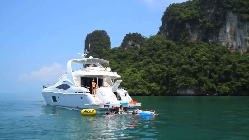 Relax in Private Charter in Koh Samui