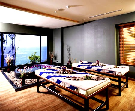 Escape to a romantic getaway in phuket thailand villa for Luxury spa weekends for couples