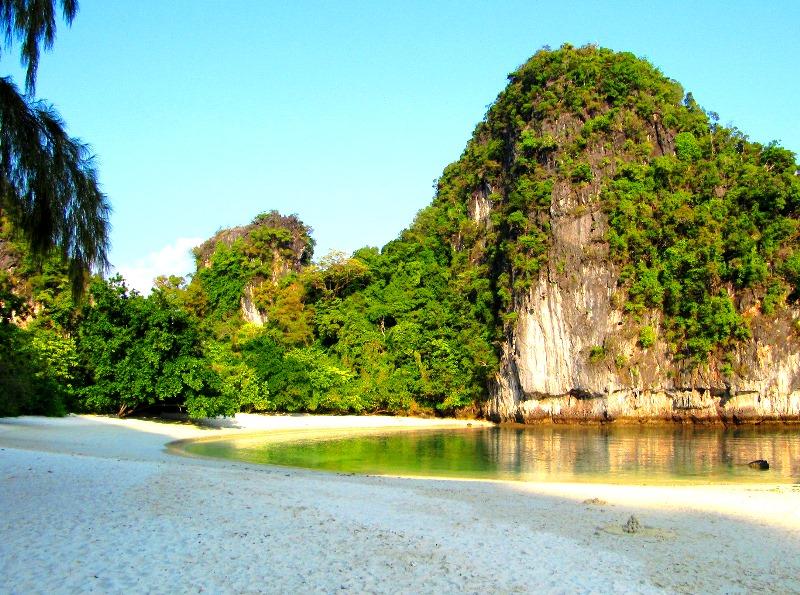 Hidden Unspoilt island in Phuket