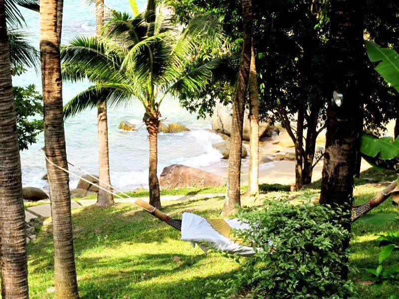 Phuket Romantic Villas -Private Beach Hammock