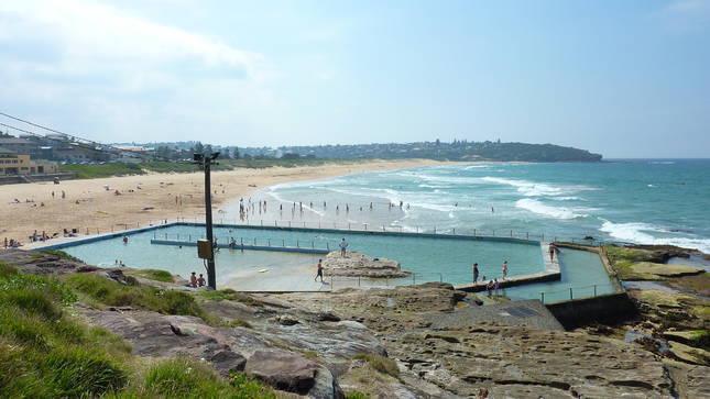 Popular rock swimming pool near Bondi beach