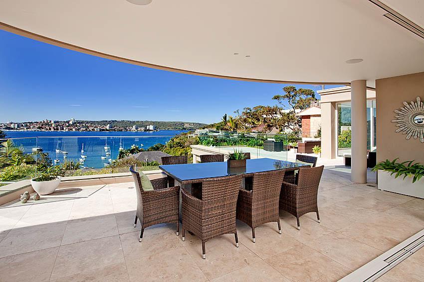 Sydney Villa 5228 Terrace