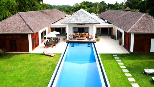The In-villa and Out-villa Entertainment Facilities of villa 3148