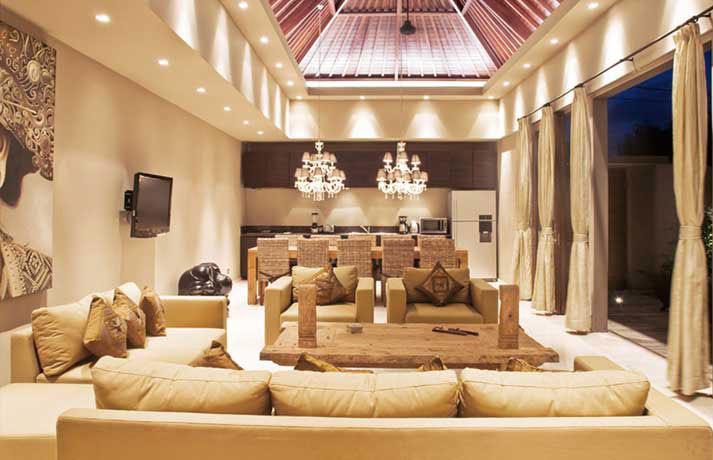 Seminyak Villa 3184 Plushy sofas