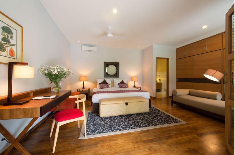 Seminyak Villa 3447 Luxury Bedroom with study space
