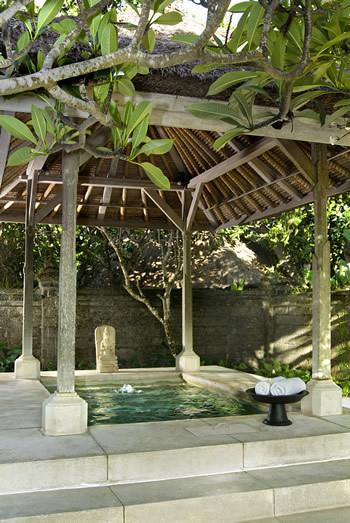 Seminyak Villa 300 Open air bathtub