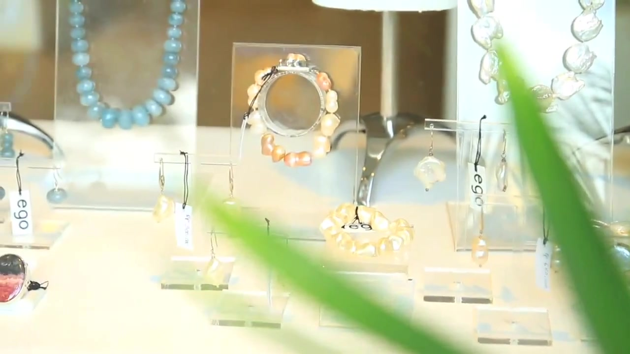 Seminyak Adventure experience - Jewelry shopping