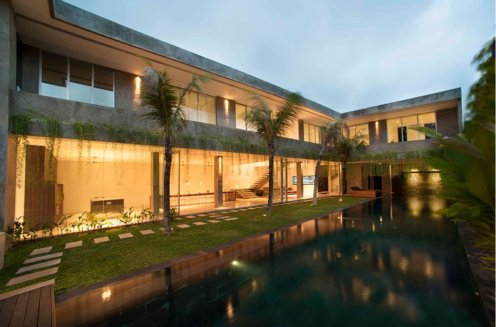 Seminyak Villa 3491- A  6-bedroom contemporary luxury villa near Jalan Raya Seminyak Street