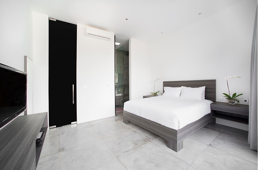 Seminyak Villa 3491 - Bedrooms with ensuite and TV