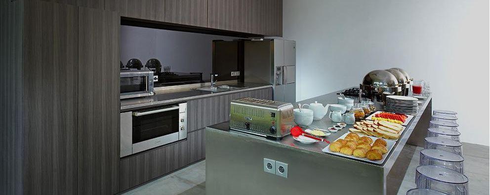 Seminyak Villa 3491- Breakfast scene at the Kitchen