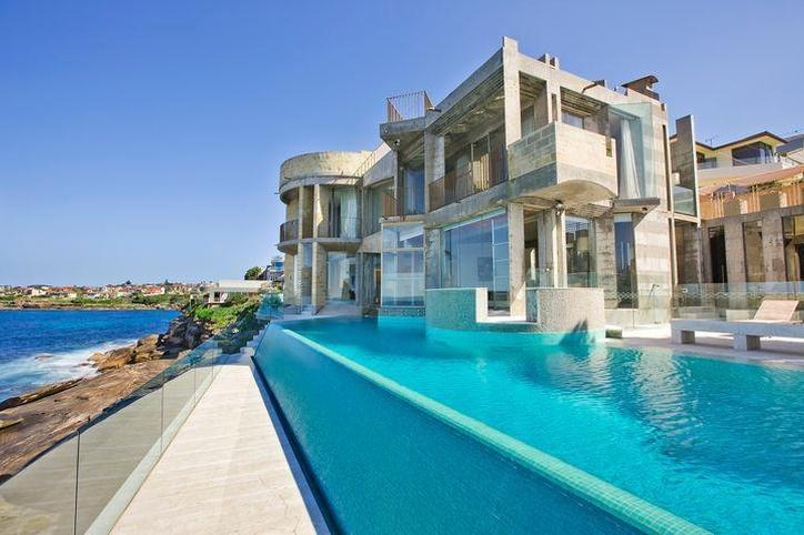 Sydney Villa 5145 - Set on Cliff top edge