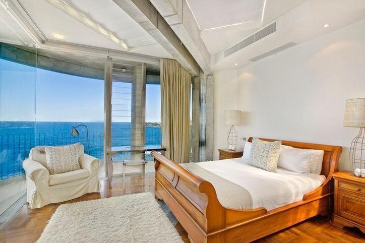 Sydney Villa 5145 - Spacious bedrooms comes with private balconies