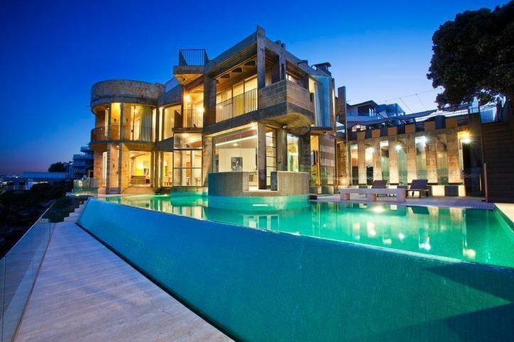 Sydney Villa 5145 - four level contemporary castle