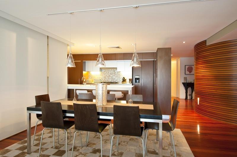 Sydney Villa 5402 - Kitchen and living room