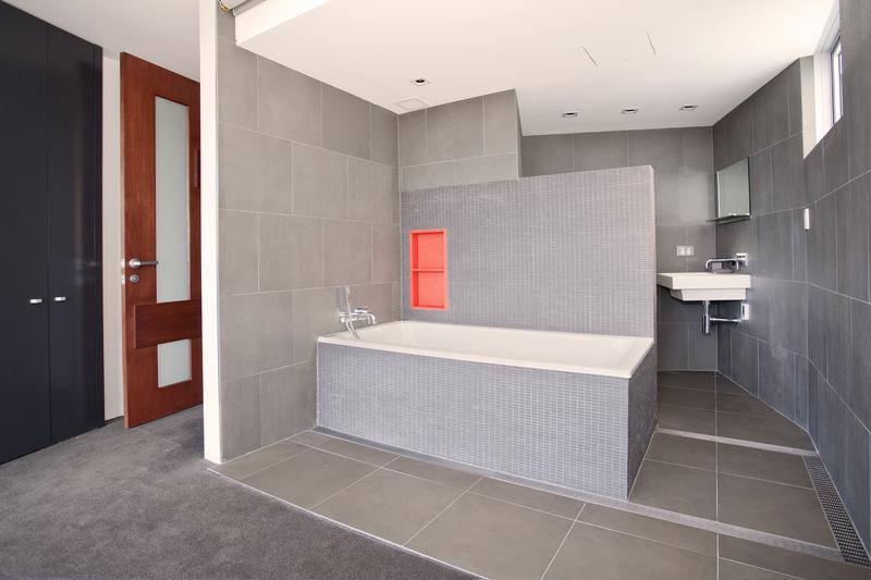 Sydney Villa 5142 Luxury Bathroom