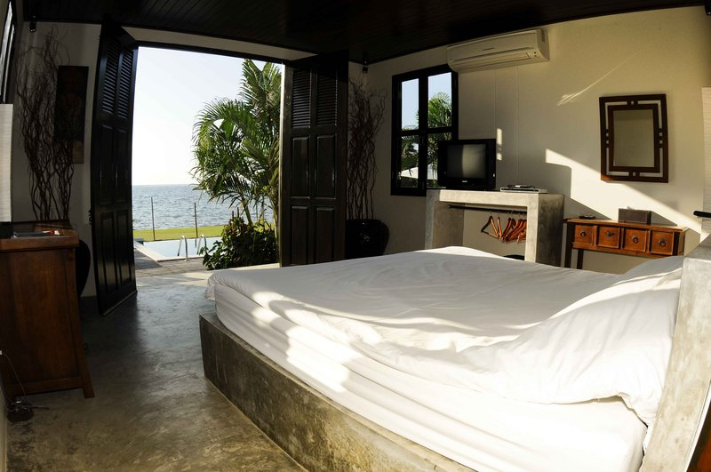 Koh Chang Villa 4265 Bedroom with sea views
