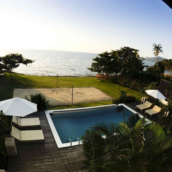 Koh Chang Villa 4265  luxury beachside villa