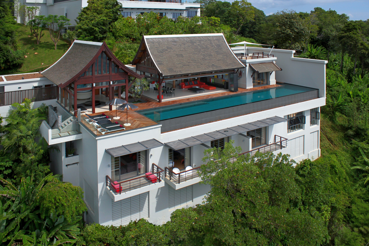 Phuket Villa 412 -luxurious destination for a group of people or large family