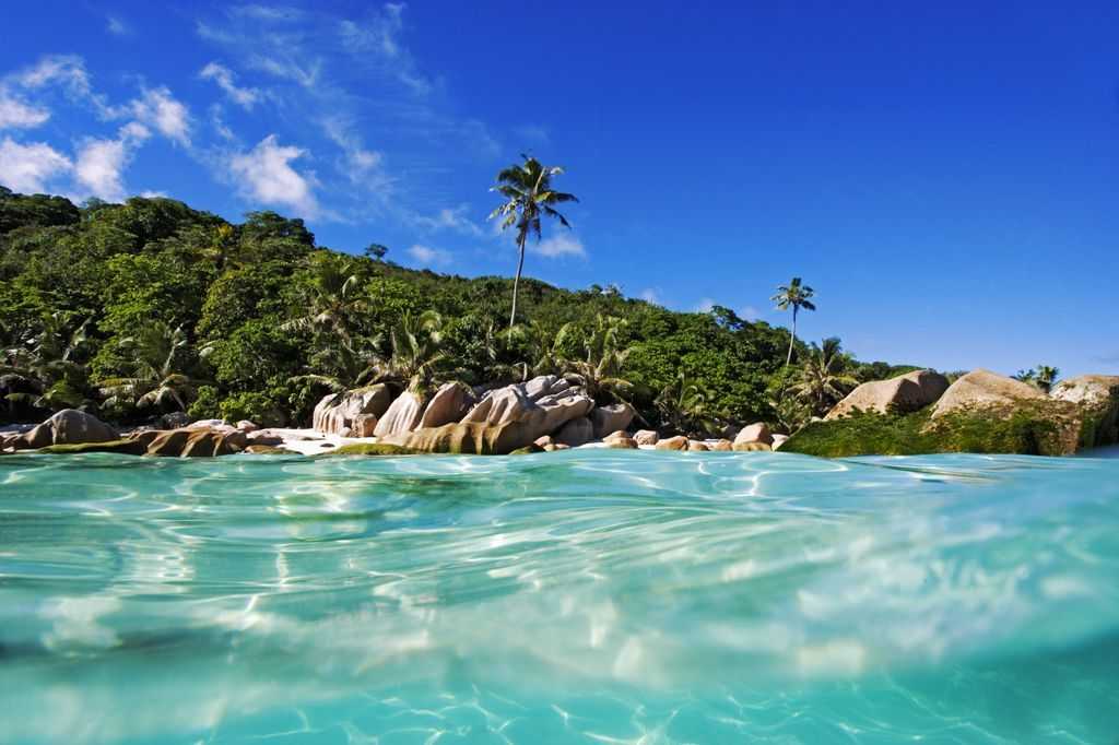 seychelles private island villa 134 warm turquoise