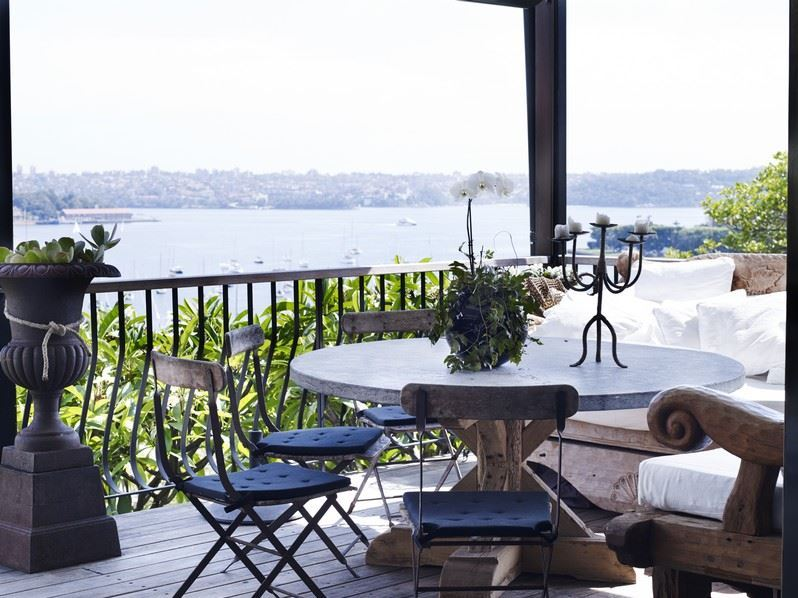 Villa 513 – Darling Point Sydney outdoor dining area