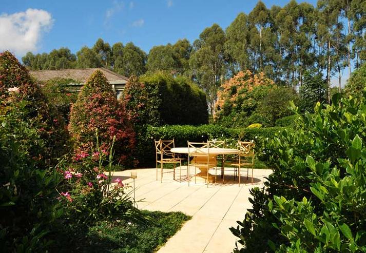 Byron Bay Villa 5267 - formal gardens