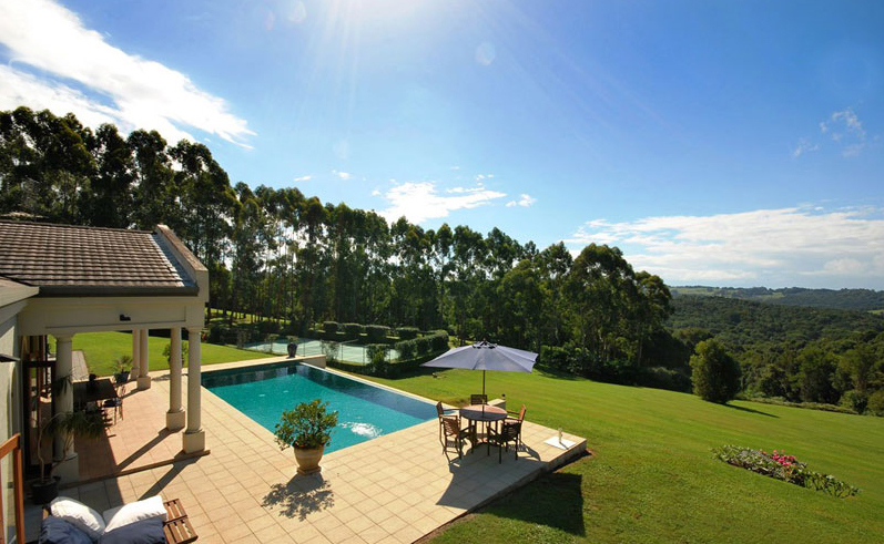 Byron Bay Villa 5267 - looking out over green hills and forest