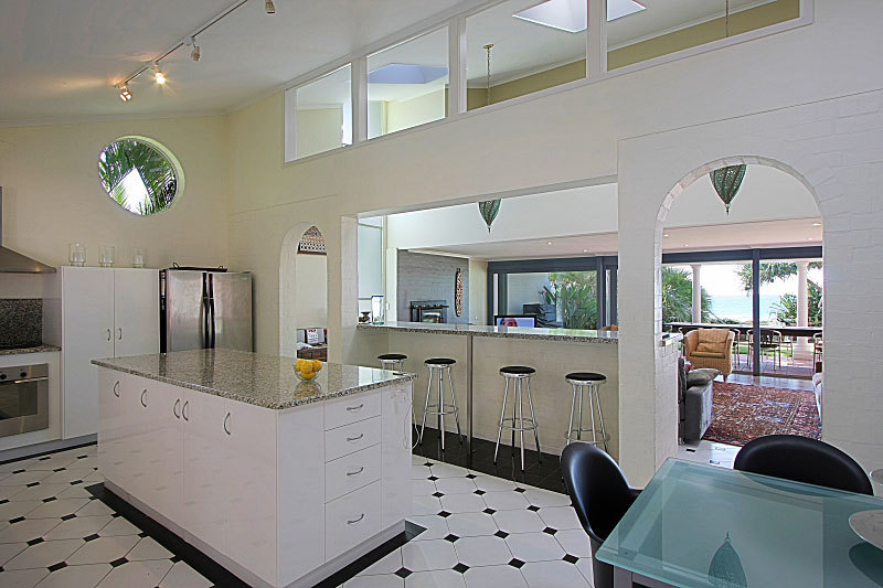 Byron Bay Villa 5279 - granite kitchen