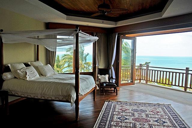 Koh Samui villa 4133 - Spacious ensuite with large balconies