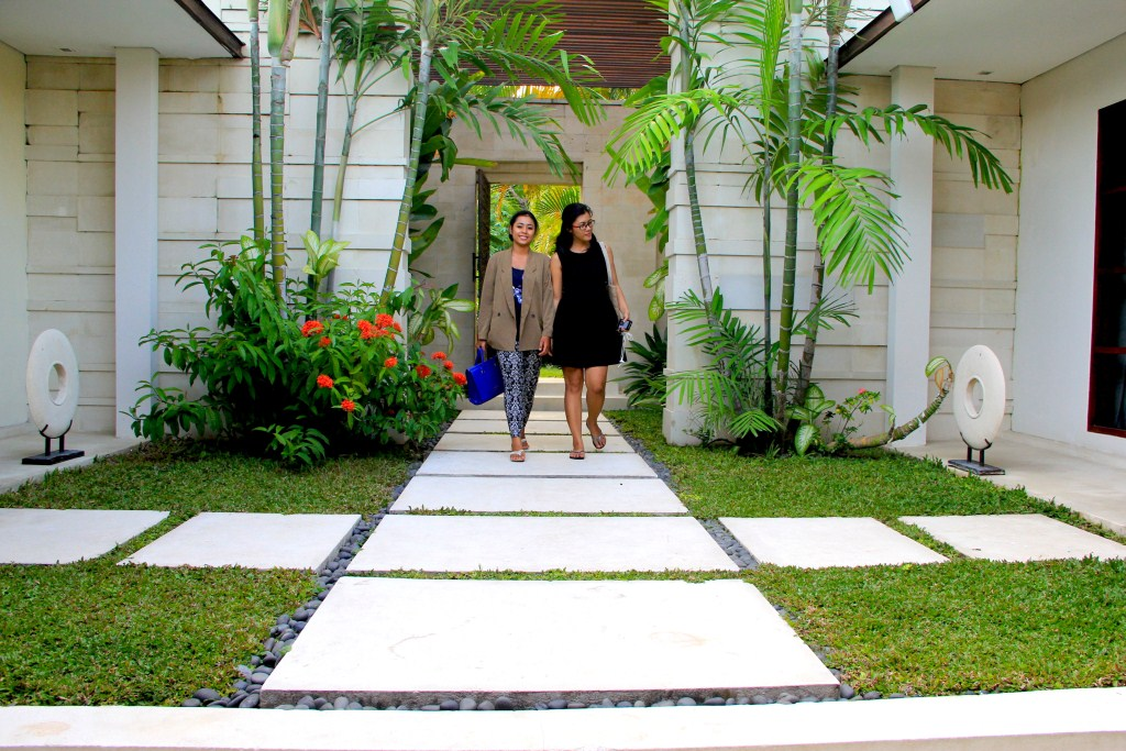 Kerobokan villa 310 - beautiful stone entry way through which a luxurious oasis is revealed