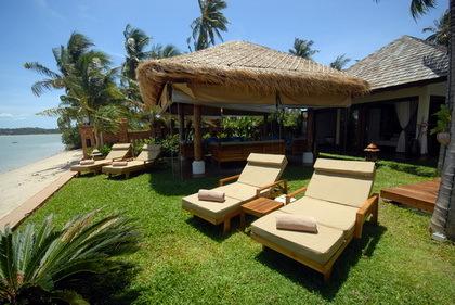 Koh Samui Villa 4156 Lounge Beds beachfront