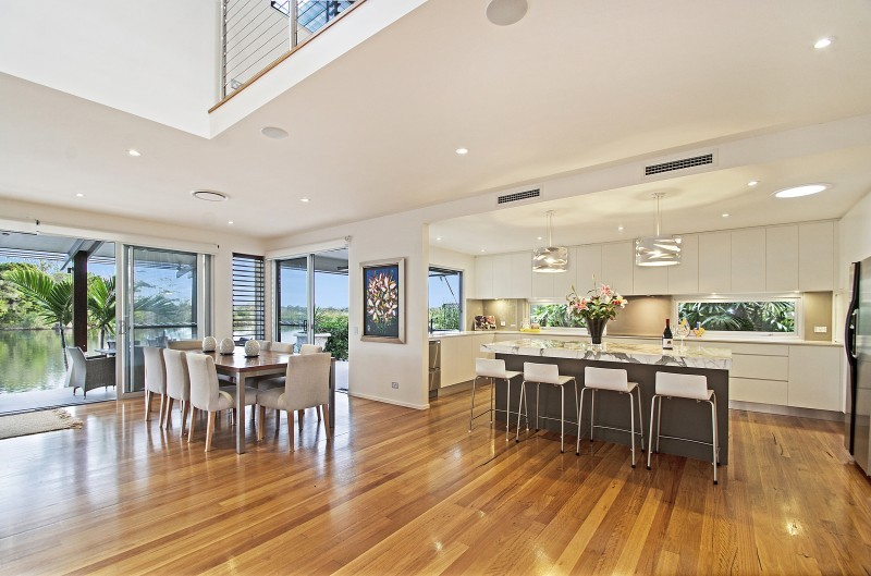 Queensland Villa 518 - beautifully appointed kitchen