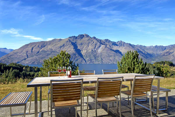 Queenstown Villa 637 - dining space for meals outside at breakfast and lunchtime to soak up the winter sun