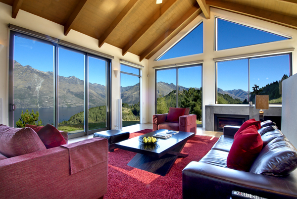 Queenstown Villa 637 - mountains and lake beyond