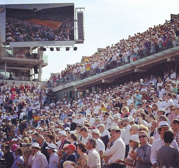 crowd at RG