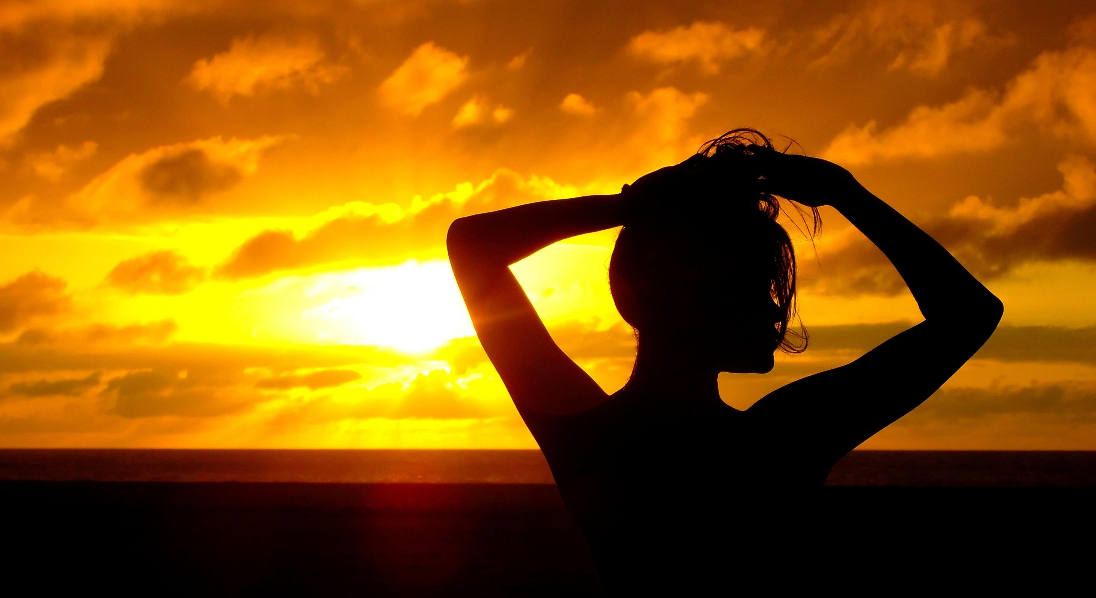 Beautiful sunset villa getaways best beach front villas - Beach girl wallpaper hd ...